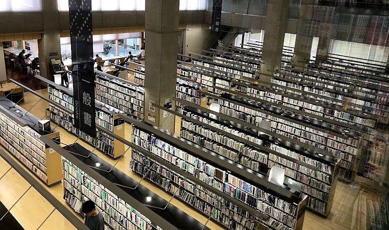 《宇都宮市立図書館》夏休みだし♪まだまだ人が多い所は避けたいし(∩´∀`)∩図書館なんかはいかがですか☆